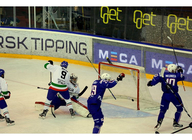 http://groupf.pyeongchang2018.iihf.hockey/media/1208971/Photo-Magnus-Eikli-Foto-Norden-7-.JPG?height=550&width=750